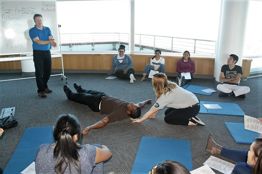 First Aid And Cpr Classes And Aed Training In Seattle Bellevue
